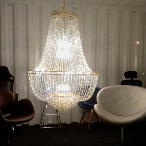 Lustre Gemelli Showroom